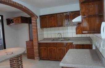 Hermosa casa en exclusiva zona de Escazú. Cg 19-1588