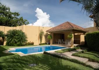 Espectacular casa a la venta en Guachipelín, Escazú