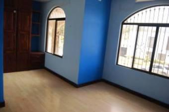 Bella Casa en Venta Cartago Paraiso 3 Habitciones  Estudio, 300 mt2   19-155