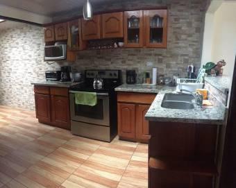 TERRAQUEA Hermosa Casa de Tres Cuartos al Precio más Bajo!!