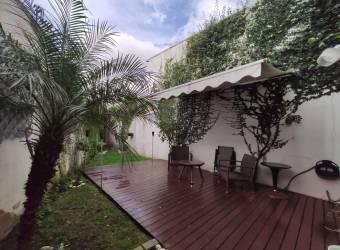 TERRAQUEA En Pinares de Curridabat Amplia y Moderna Casa con 338 Metros de Construcción