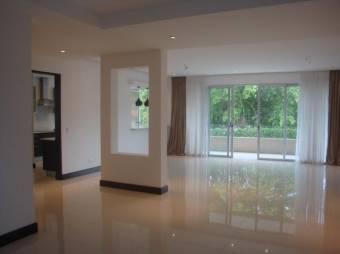 Hermoso apartamento en Santa Ana para que viva con su familia. Cg 19-994