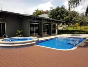 TERRAQUEA Beautiful house with contemporary design in exclusive condominium