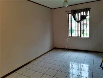 se renta apartamento super bien ubicado a 300metros de la UCIMED 20-56