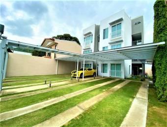 Se renta hermoso apartamento moderno con finos acabados y excelente ubicación en santa ana 20-51
