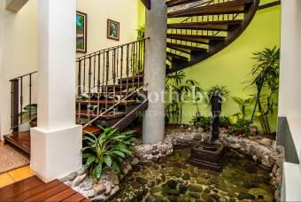 Los Hidalgos Colonial