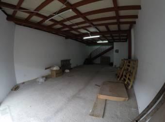 Se Alquila Amplia Bodega En La Uruca