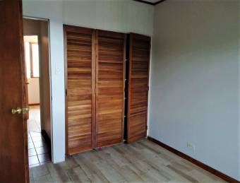 se renta espacioso apartamento en Sabana 300mts de la UCIMED 19-2056