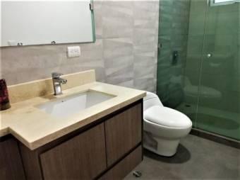 Se renta lujoso apartamento en pozos de Santa Ana 100m de fresht market 20-51