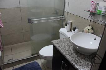 Hermoso Apartamento En Primer Piso De 2 Habitaciones En La Uruca   Ganga