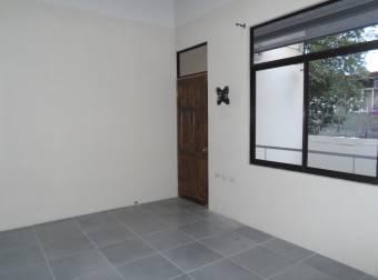Alquile apartamento a estrenar en zona segura RAH 191693