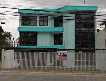 Alquile edificio con ubicación estratégica en frente de Sabana Sur RAH 19322