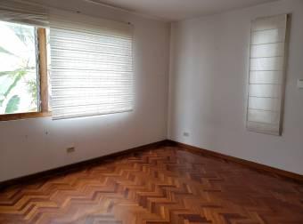 Alquiler de Apartamento en Condominio en Barrio Dent