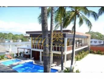 V#105 Exclusiva Casa en Venta/Puntarenas