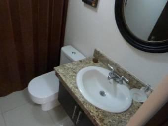 se alquila apartamento amoblado en cariari 21-565
