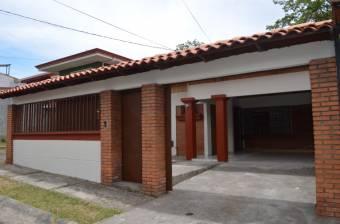 Vendo hermosa casa en zona de alta plusvalía a precio de liquidación.