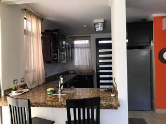 CG-20-1803.  Moderna y Preciosa Casa en GuaSardinal.  En Venta