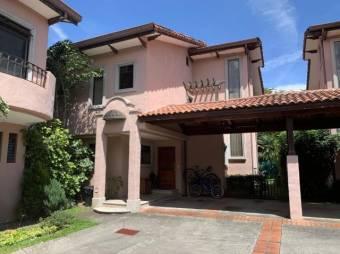 CG-20-329.  Moderna y Preciosa Casa en SantaAna.  En Venta