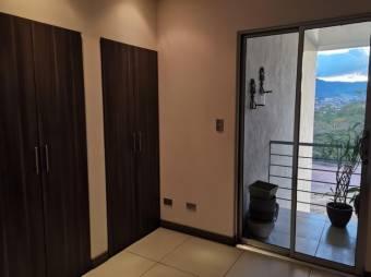 Venta de Apartamento en Belén, Heredia. 20-912a