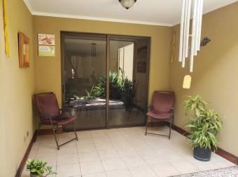 Venta de Casa en Santa Ana. 20-648a