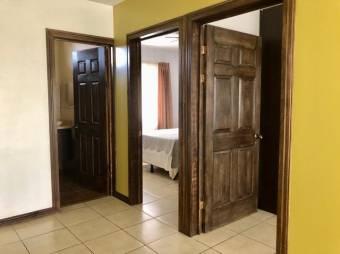 Venta de Casa en Alajuela. 21-380a