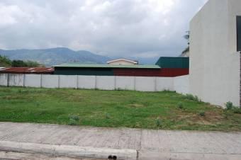 CG-20-1627.  Excelente Terreno en SantaAna.  En Venta