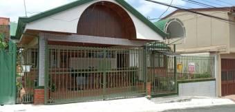 se alquila casa de 4  habitaciones en san francisco de heredia cerca de oxigeno 21-478
