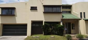se alquila espacioso apartamento en sabana inclue agua e internet 21-600