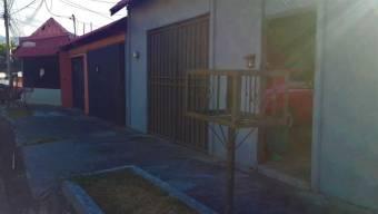 se vende espaciosa casa en pozos de santa ana 20-484