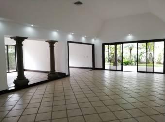 CityMax alquila bella casa en Lindora, Santa Ana