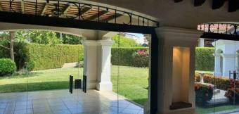 CityMax alquila preciosa casa en Lindora, Santa Ana
