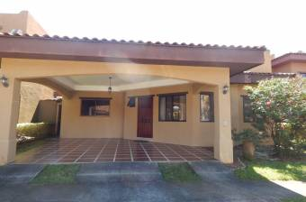 BEAUTIFUL HOUSE ONE PLANT HEREDIA FLORES