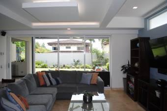 CityMax alquila hermosa casa en Santo Domingo de Heredia 3 habitaciones
