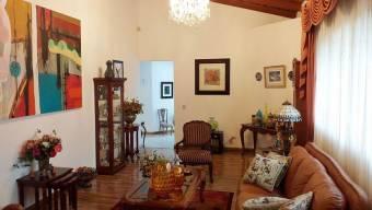 CG-20-847.  Preciosa y Bonita  Casa  en  SanPedro.  En Venta